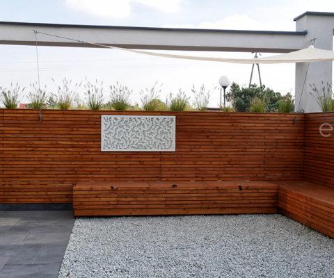 Ściana z siedziskiem drewnianym Enjoiner