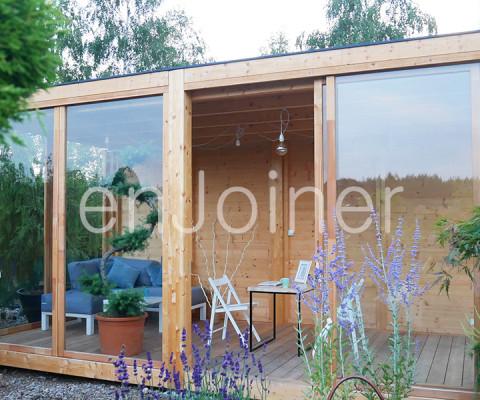 drewniane biuro ogrodowe