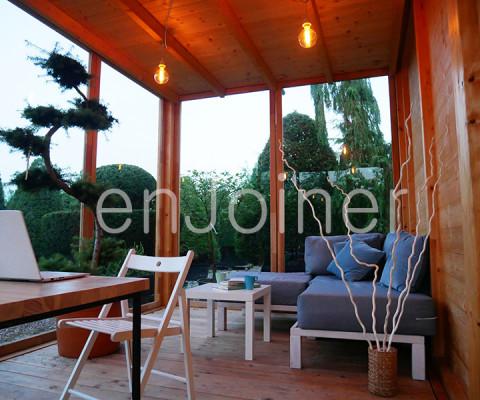 Kubik, drewniane biuro ogrodowe